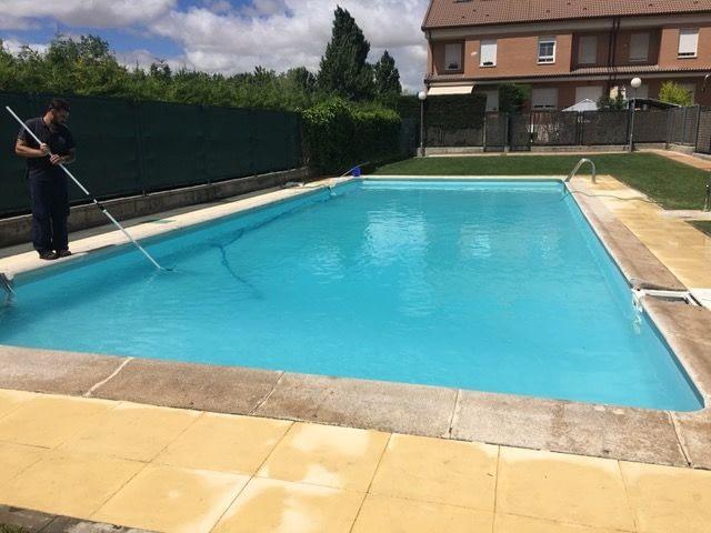mantenimiento piscinas verano